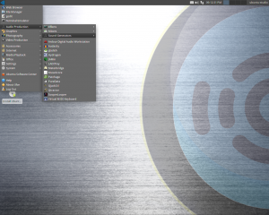 A screen cap of the Ubuntu Studio Desktop